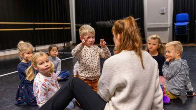 201128 Kunsthoppen voor Kleuters Theater - foto P. Verheijen